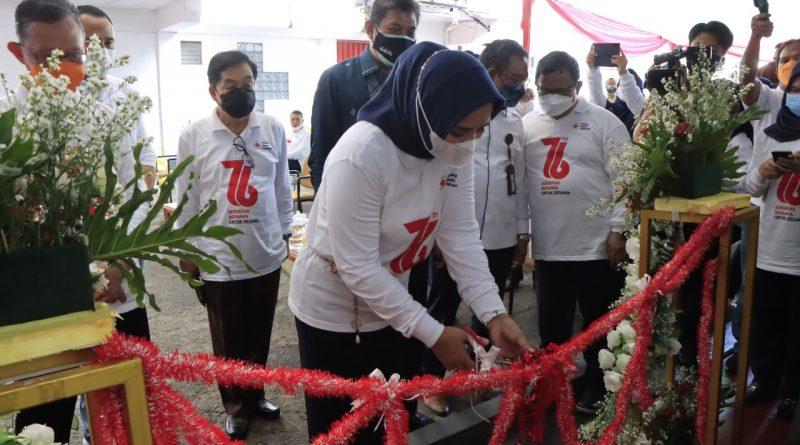 Riana Sari Launching Gerai Donor Darah