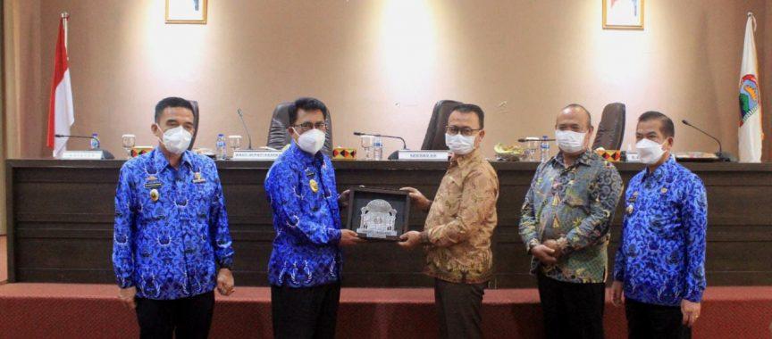 Thamrin Terima Kunker Pemkab Bangka Dalam Rangka Lakukan Kaji Tiru Terkait Optimalisasi PAD